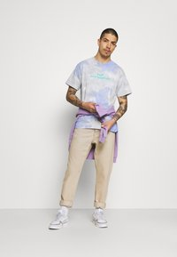 HUF - CHEMISTRY TEE - Print T-shirt - violet - 1