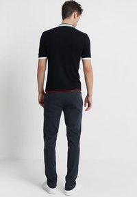Replay - ZEUMAR HYPERFLEX  - Jeans slim fit - black - 2