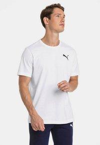 Puma - HERREN ESSENTIALS SMALL LOGO - Basic T-shirt - white - 0