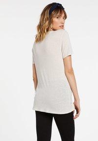 Volcom - TERN N BERN SS - Basic T-shirt - bone - 1