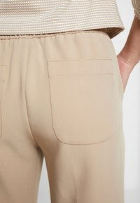 Opus - MONI - Trousers - soft ginger - 3