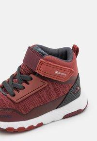 Viking - ARENDAL MID GTX UNISEX - Hiking shoes - wine/burgundy - 5