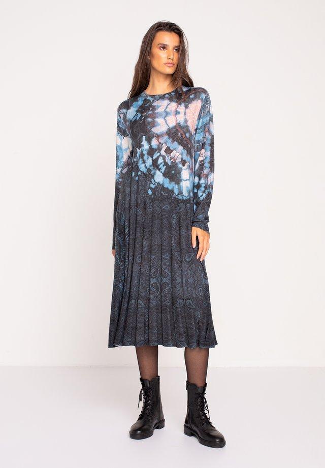PRINTED DRESS  BATIK PATTERN - Gebreide jurk - dark grey