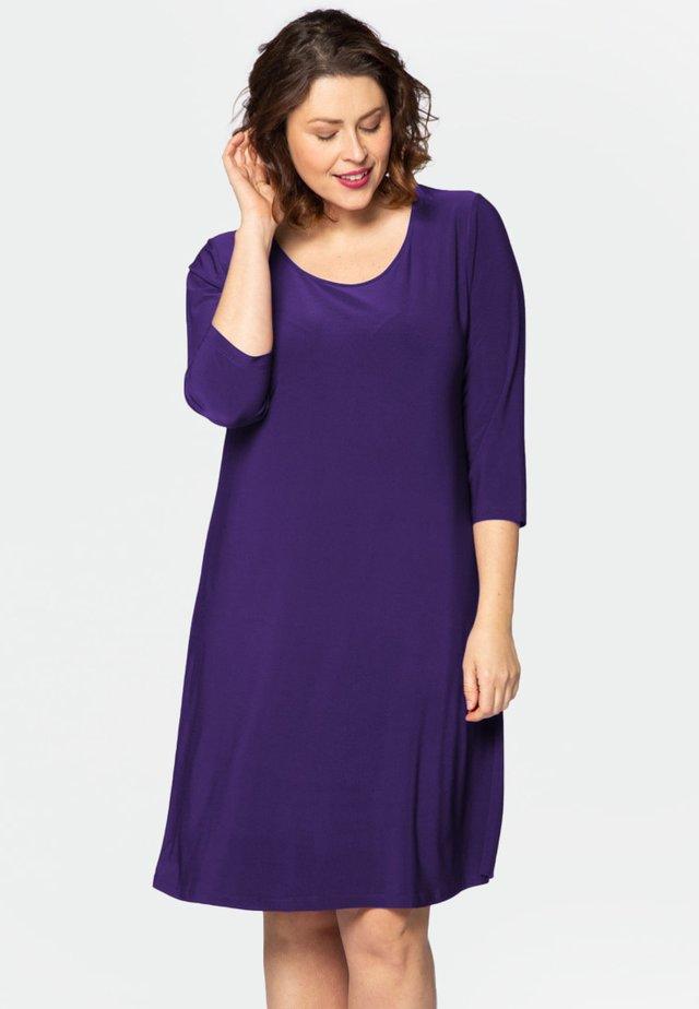 LONG SLEEVE - Korte jurk - purple