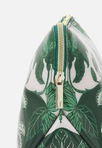 Ted Baker - ROCOLA - Wash bag - green - 4