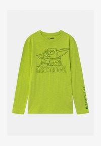 GAP - BOY STAR WARS MANDALORIAN - Maglietta a manica lunga - green thumb - 0
