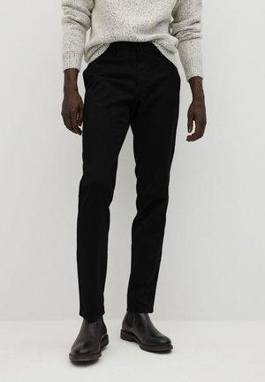 BARNA - Pantalones chinos - zwart
