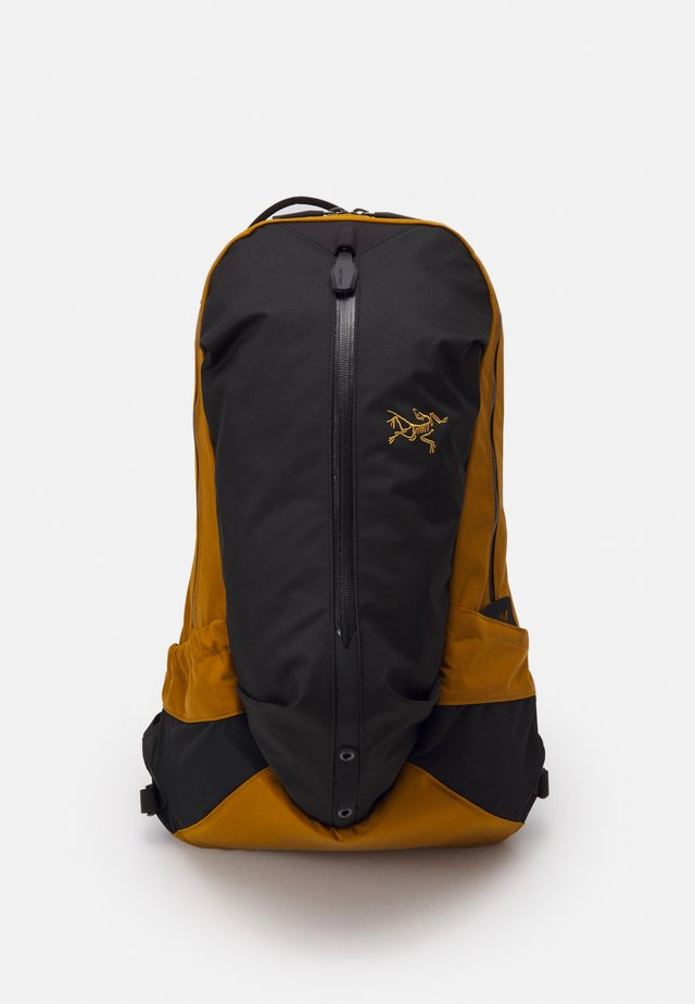 ARRO 22 BACKPACK UNISEX - Zaino - realm