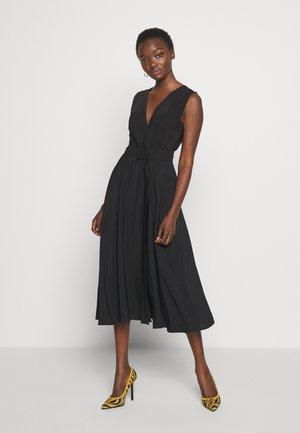 ALCADE - Korte jurk - schwarz