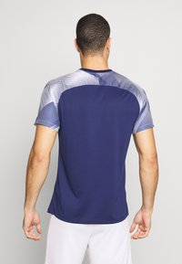 Umbro - TRAINING - Print T-shirt - medieval blue/brilliant white - 2