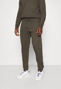 Burton Menswear London - REGULAR FIT ZIP AND JOGGER SET - Sweater - khaki - 4