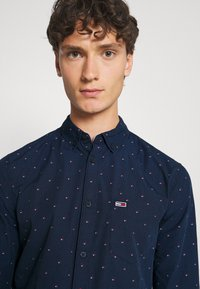 Tommy Jeans - DOBBY SHIRT - Shirt - blue - 3