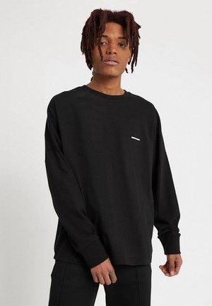 OVERSIZED CUT ON SLEEVE LOGO LONG SLEEVE - Long sleeved top - black