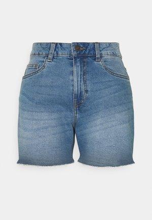 NMKATY SLIM MOM - Denim shorts - medium blue denim