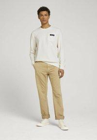 TOM TAILOR DENIM - Sweatshirt - soft light beige - 1