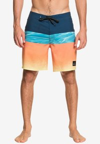 Quiksilver - HIGHLINE HOLD DOWN  - Swimming shorts - majolica blue - 1