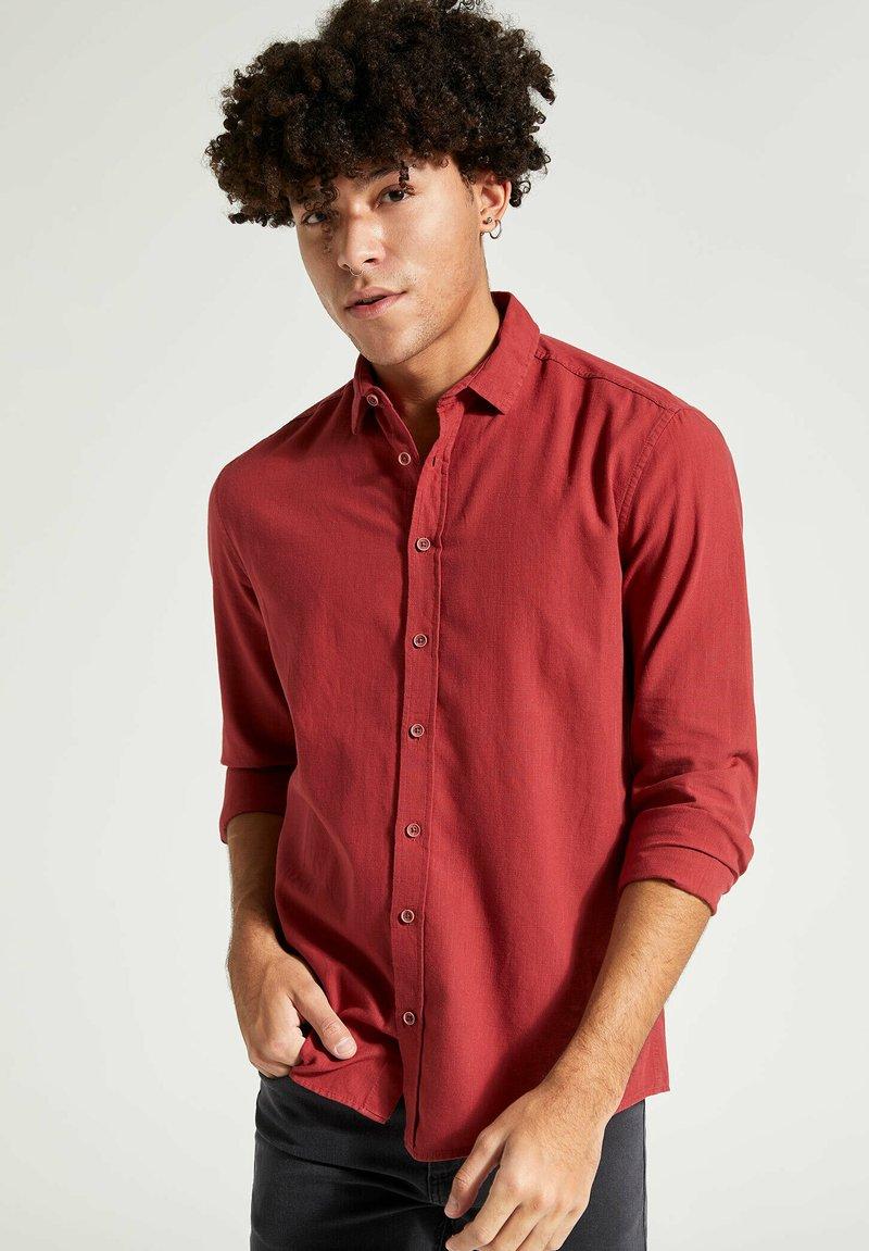 DeFacto - Formal shirt - bordeaux
