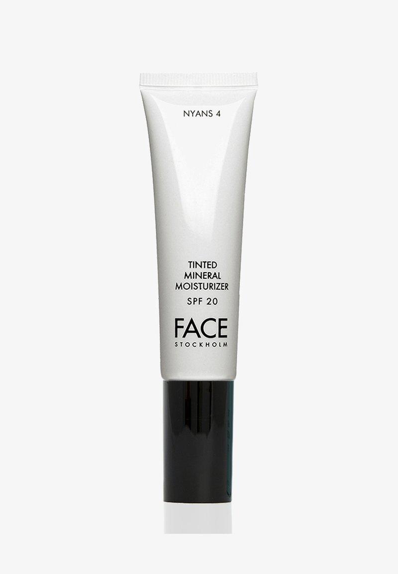 FACE STOCKHOLM - TINTED MINERAL MOISTURIZER - Tinted moisturiser - nyans 4