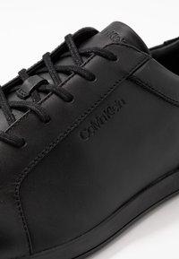 Calvin Klein - MAINE - Sneakersy niskie - black - 5