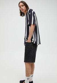 PULL&BEAR - Košile - black - 8