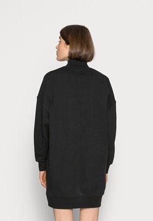 LOGO TRIM MOCK NECK DRESS - Denní šaty - black
