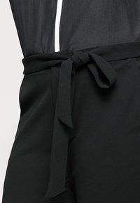 Anna Field Curvy - Chino kalhoty - black - 4