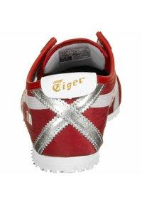 Onitsuka Tiger - MEXICO 66 UNISEX - Zapatillas - classic red/ white - 4