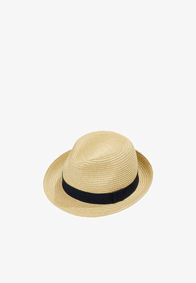 Hat - beige