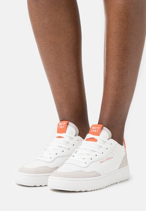 CARLA 3D - Joggesko - white/orange