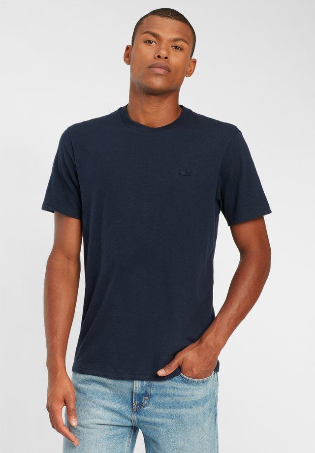 TEES S/SLV OLD SCHOOL - T-shirt basique - ink blue