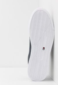 Tommy Hilfiger - LIGHTWEIGHT - Sneakersy niskie - blue - 4
