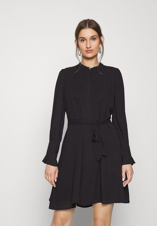 SLFLIVIA DRESS - Korte jurk - black