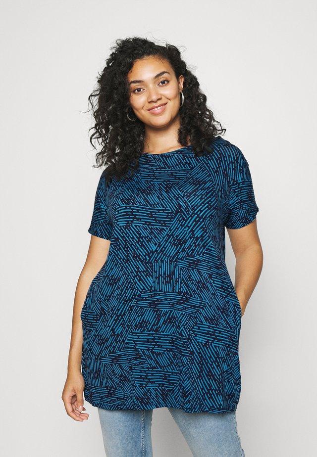 SHORT SLEEVE SIDE POCKET - Camiseta estampada - blue