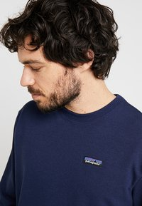 Patagonia - LABEL UPRISAL CREW  - Sweater - classic navy - 3