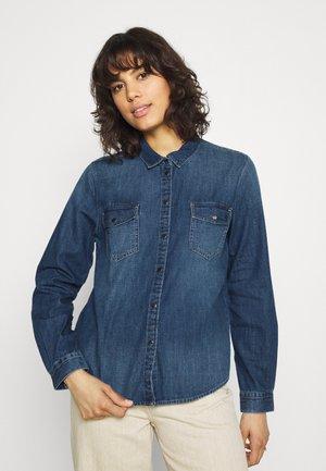 JDYSOLIMA LIFE SHIRT - Button-down blouse - medium blue denim