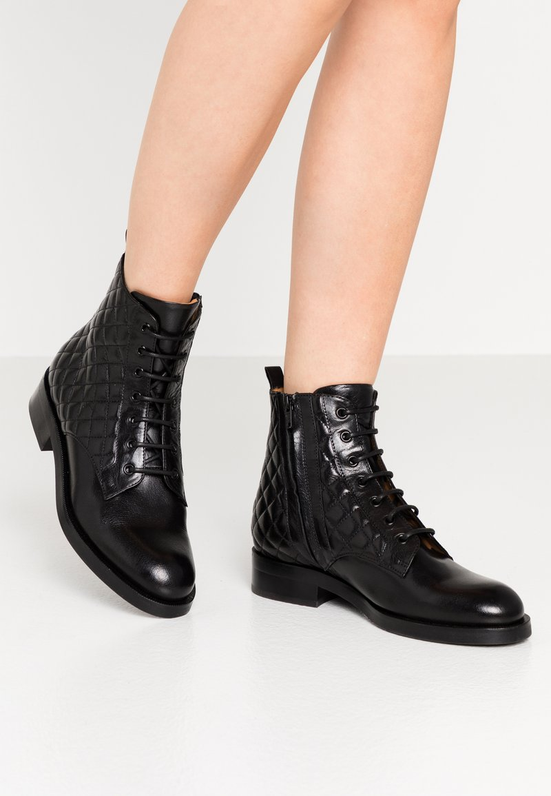 Billi Bi - Lace-up ankle boots - black