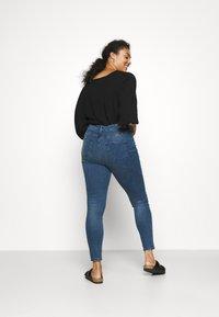 Vero Moda Curve - VMSOPHIA SCULPT - Jeans Skinny Fit - dark blue denim - 2