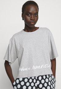 MM6 Maison Margiela - Print T-shirt - grey - 3