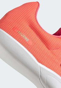 adidas Performance - ADIZERO DISCUS / HAMMER SHOES - Stabilty running shoes - pink - 10