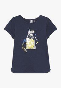 3 Pommes - TEE SHORT SLEEVES - Camiseta estampada - blue night - 0