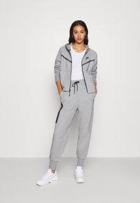 Nike Sportswear - Cardigan - dk grey heather/black - 1