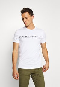 Armani Exchange - T-shirt con stampa - white - 0
