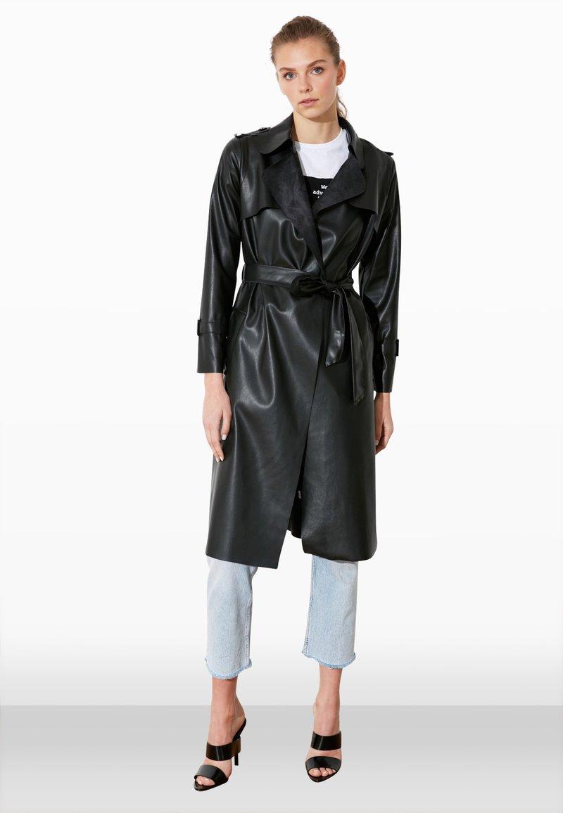 Trendyol - Trenchcoat - black