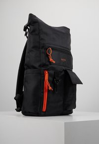 HXTN Supply - UTILITY TRANSIT - Batoh - black - 3