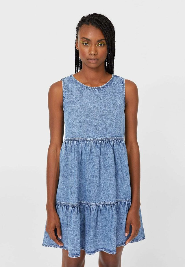 MIT VOLANTS  - Denimové šaty - light blue