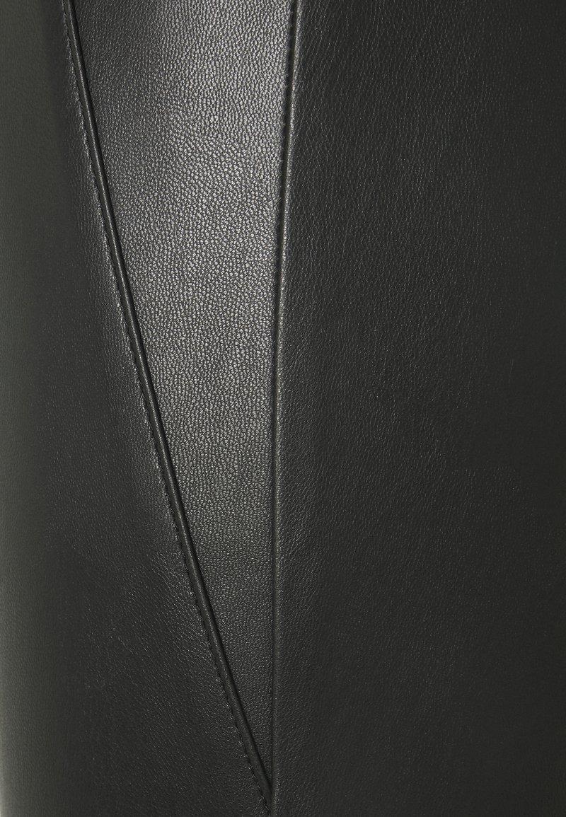 Vila VIANNAS COATED - Leggings - Hosen - black/schwarz 7Q9xmF