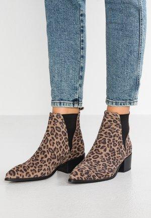 KAREN - Kotníková obuv - brown