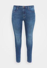ONLY Carmakoma - CARLAOLA LIFE - Skinny džíny - medium blue denim - 3