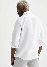 DeFacto - Camisa elegante - white - 2