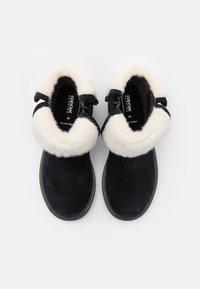 Geox - ECLAIR GIRL - Kotníkové boty - black - 3
